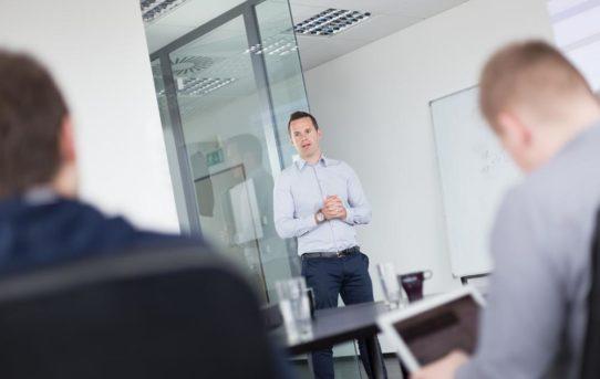 Im Kundendialog die richtigen Worte finden – offene und professionelle Kommunikations-Seminare in München