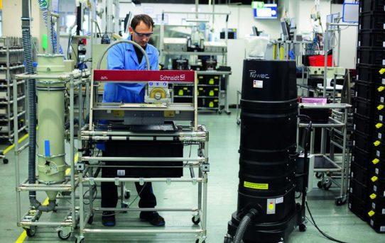 Absaugung in der Elektronikproduktion:  Zwei Konzepte – ein Ziel