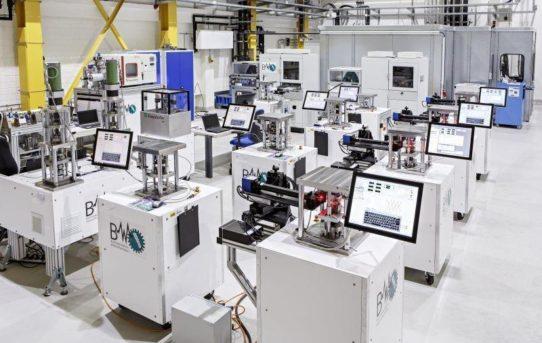 Additive Fertigung: Neues Laboratorium kann Beanspruchungen von Bauteilen realitätsnah simulieren
