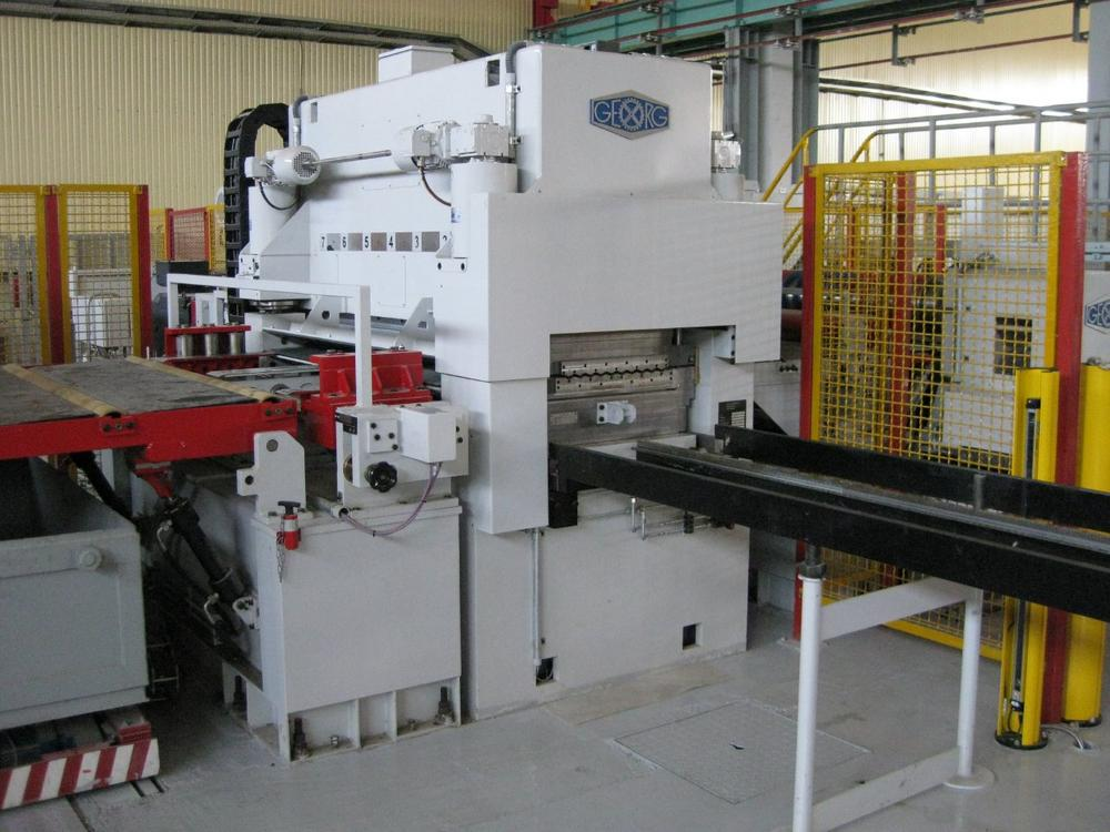 Heinrich Georg Maschinenfabrik: Neue GEORG Hochleistungs-Richtmaschine im EMW Stahl-Service Center