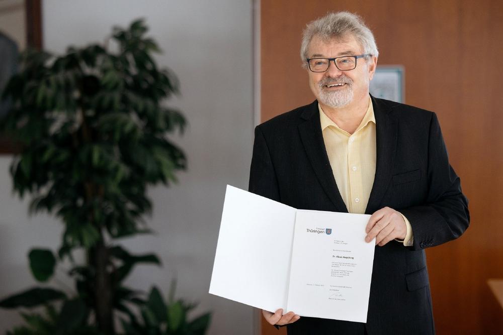 TU Ilmenau verabschiedet Prof. Klaus Augsburg in den Ruhestand