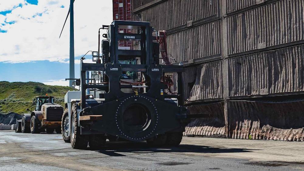 Groß – größer – 60 Tonnen: KAUP konstruiert, produziert und liefert die größten Drehgeräte für Gabelstapler