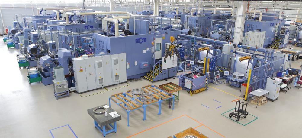 Große Lasten schnell und zuverlässig bewegen: NSKLinearführungen in Werkzeugmaschinen von MCM
