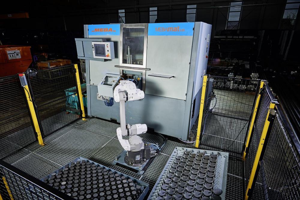 Automation einfach gemacht: Wie Kollege Roboter die Schwilk Automatendrehteile GmbH in Sachen Produktivität und Mitarbeiter-Flexibilität unterstützt