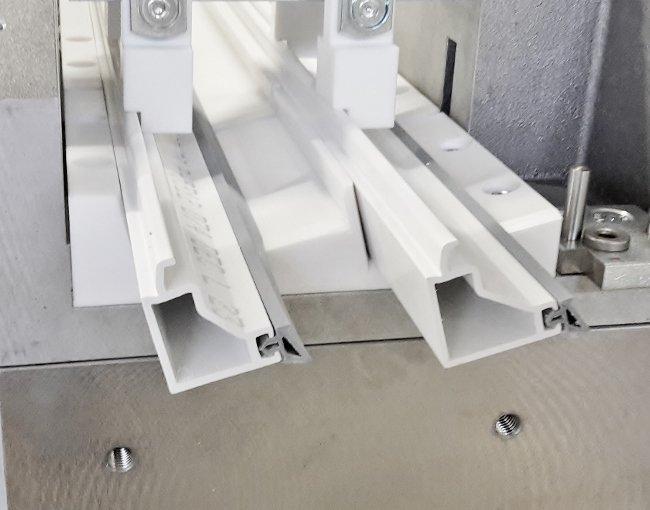 RAPID GLI - Glasleistensäge mit Universalspannsystem für Deceuninck Elegant