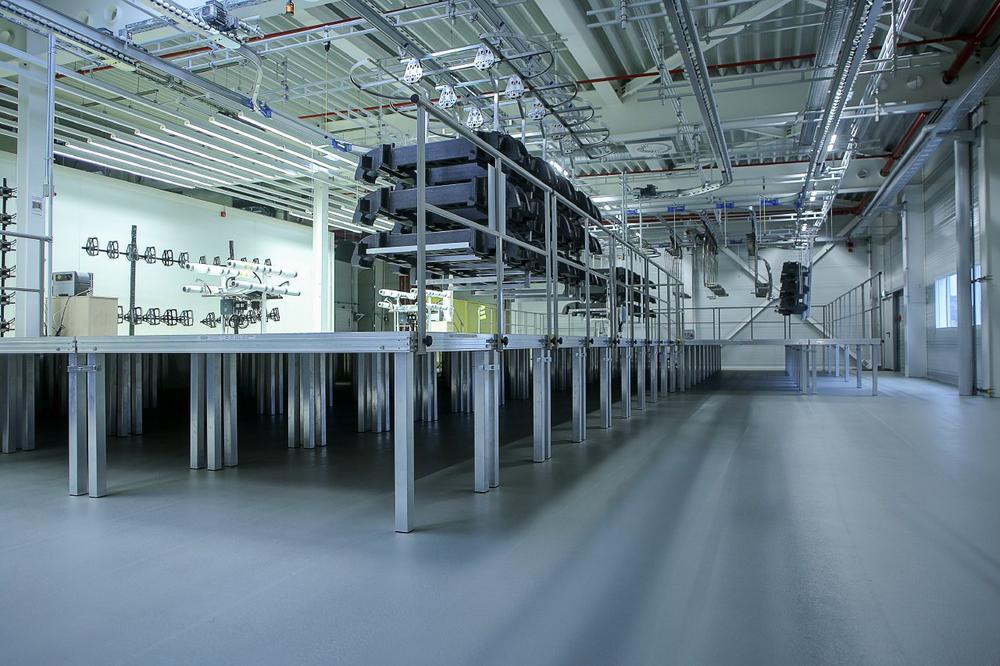 Ergonomisch, sicher, modern: Installationen für Industrie & Handwerk von Mott Industry